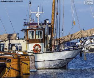 Układanka Łowienia z łodzi w porcie