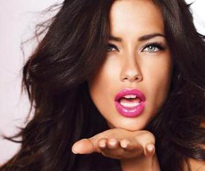 Układanka Adriana Lima-brazylijska modelka