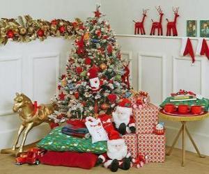 Układanka Bardzo zdobione choinki i prezenty