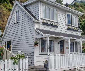Układanka Biały dom drewniany