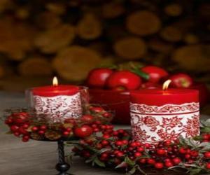 Układanka Boże Narodzenie Świece oświetlony i ozdobiony czerwonymi owocami