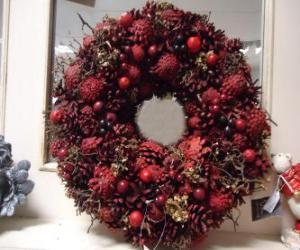Układanka Boże Narodzenie korony z czerwonymi owocami
