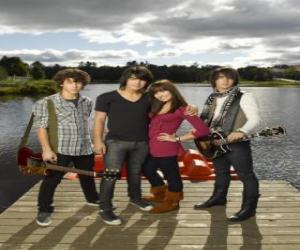 Układanka Bracia Grey (Jonas Brothers) y Mitchie Torres (Demi Lovato)
