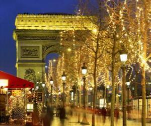 Układanka Champs Élysées świątecznej z Łuku Triumfalnego w tle. Paryż, Francja
