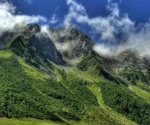 Układanka Col des Aravis jest przełęczy w Alpach francuskich