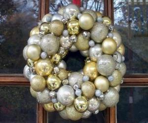 Układanka Crown of Christmas, dokonanych z kulek