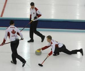 Układanka Curling to sport precyzji zbliżonej do miski lub bocce angielskim, występował w lodowisko.