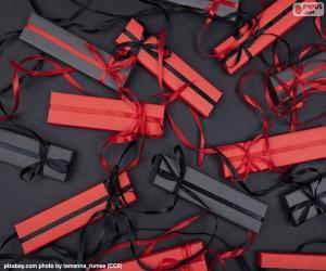 Układanka Czerwone i czarne prezenty