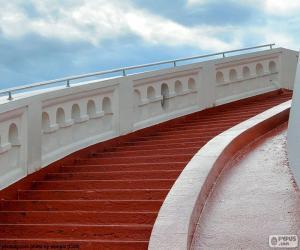 Układanka Czerwony po schodach