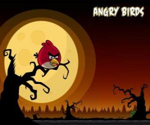 Układanka Czerwony Ptak szuka świń z góry drzewa