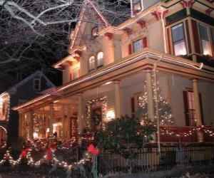 Układanka Dom urządzony na Boże Narodzenie
