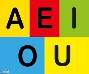 Układanka Drukowanymi literami A, E, I, O, U