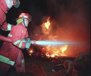 Układanka Dwóch strażaków w akcji