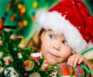 Układanka Dziewczyna przygotowuje się Boże Narodzenie