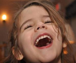Układanka Dziewczynka śmieje