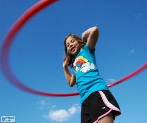 Układanka Dziewczynka z obręczą w hula, hula hoop w pasie spinning