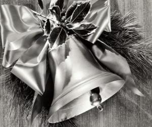 Układanka Dzwon Boże Narodzenie ozdobione holly liści i wstążki z dużym łuku