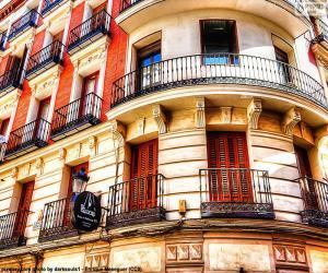 Puzle Fasada Budynku W Madryt Puzzle Wydruku