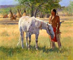 Układanka Indiańskiego wojownika z koniem w pobliżu obozu