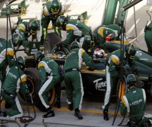 Układanka Jarno Trulli - Lotus - Bahrajn 2010