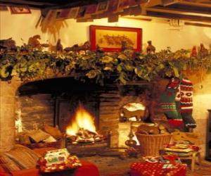 Układanka Kominek z ogniem świeci i ozdób choinkowych