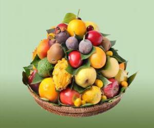 Układanka Kosz z różnorodnych owoców