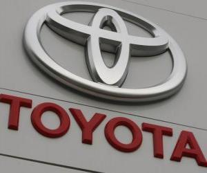 Układanka logo Toyota. Japoński producent