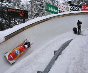 Układanka Malejąco w bobslejach lub dwa bobsled-crew