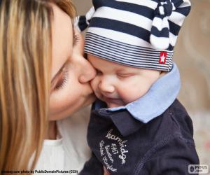 Układanka Matka całuje swoje dziecko