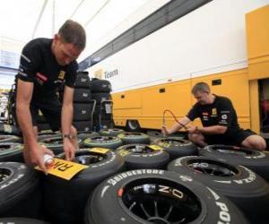 Układanka Mechaniczne F1, przygotowanie opony