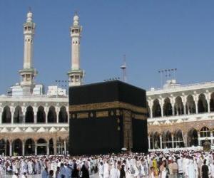 Układanka Muzułmańscy pielgrzymi chodzą Kaaba, w kształcie sześcianu budynku w Mekce, w Arabii Saudyjskiej