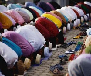 Układanka Muzułmanie modląc