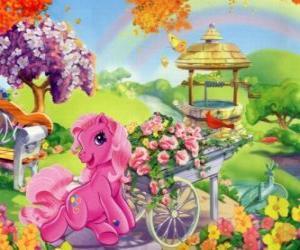 Układanka My Little Pony otoczony kwiatami