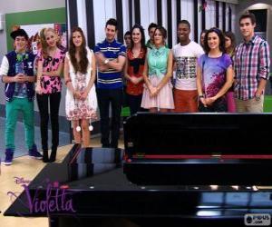 Układanka Niektóre z postaci Violetta 2