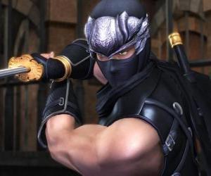 Układanka Ninja wojownika z mieczem w dłoni