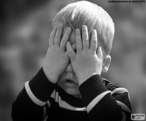 Układanka Obejmujących oczy dziecka