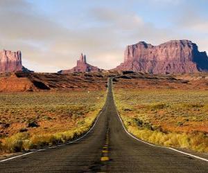 Układanka obszar pustynny z drogi