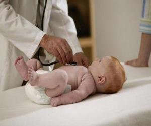 Układanka Pediatra bada dziecko