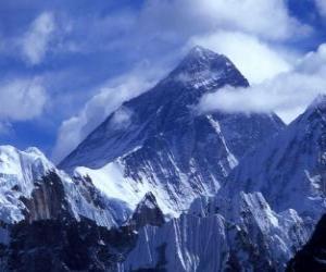 Układanka Pejzaż z wysokich gór z ośnieżonych szczytów