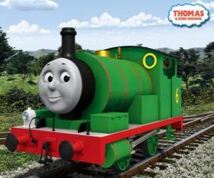 Układanka Percy, najmłodsza lokomotywa, zielona i z numerem 6. Percy jest najlepszym przyjacielem Thomasa