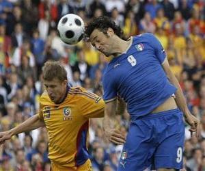 Układanka Piłkarz skoki na głowę piłką lub piłkę z głową