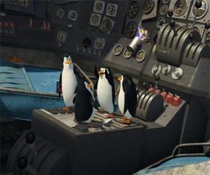 Układanka Pingwiny naprawy starych rozbił się samolot