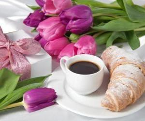 Układanka Prezenty i śniadanie dla mamy