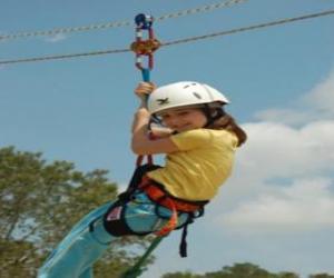 Układanka Przygodowe dziewczyna skoki z liny i uprzęży