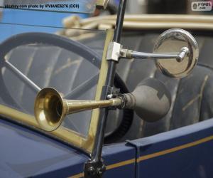 Układanka Róg i lusterko wsteczne starego samochodu