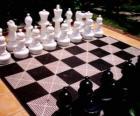Szachownica z wszystkich części umieszczone, aby rozpocząć grę