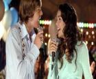 Karaoke singing Gabriella Montez (Vanessa Hudgens), Troy Bolton (Zac Efron)