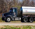Cysterny - ciężarówka Cysterna