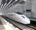 Pociąg linii kolejowych dużych prędkości w Japonii eksploatowany (Shinkansen)
