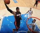 LeBron James będzie dla slam dunk